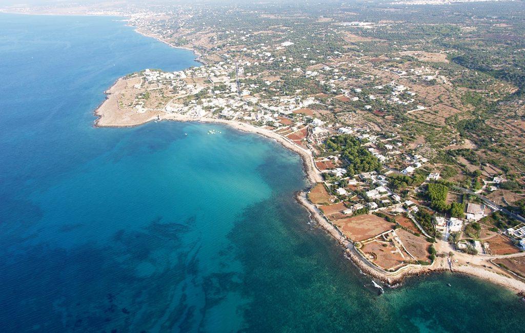 Il Bed & Breakfast é sito in Cutrofiano (LE), cittá a soli 25 km dalle più importanti localitá balneari di Gallipoli e Otranto.